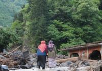 Trabzon'da taşkın 3 ölü, 7 kayıp, 4 yaralı
