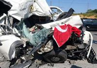 İstanbul'da inanılmaz kaza! Araçlar paramparça oldu