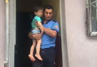 Pencereden sarkan çocuğu itfaiye ve polis ekipleri kurtardı