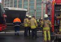 Metrobüste yangın: Seferler aksıyor!