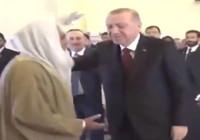 Cumhurbaşkanı Erdoğan ile Pakistanlı imamın gülümseten diyaloğu