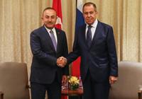 Bakan Çavuşoğlu, Lavrov'la görüştü!