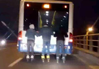 Ankara'da patenli gençlerin tehlikeli yolculuğu!