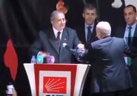 CHP Ankara İl Kongresi'nde ortalık karıştı!