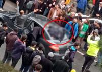 Diyarbakır'da korkunç kaza! Ön cama çarpıp takla atıp arka camdan içeri girdi!