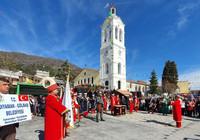 Adıyamanlılar Yunanistan'da kilise önünde mehter çalıp ezan okudu