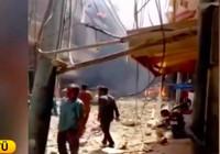 Pakistan'da 107 yolcu taşıyan uçak düştü