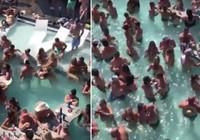 Koronavirüse aldırış etmeden havuzda böyle eğlendiler! ABD'de inanılmaz görüntüler