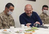Cumhurbaşkanı Erdoğan'dan İkiyaka Dağları'ndaki askerlere sürpriz telefon
