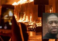 ABD'de polis müdürlüğünün binası yakıldı