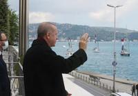 Türk bayraklı tekneler Cumhurbaşkanı Erdoğan'ı selamladı