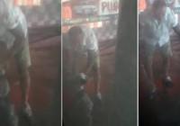 İzmir'deki oto yıkamacıda yavru köpeğe işkence saniye saniye kamerada