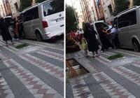 Sultangazi'de kocasını minibüste başka kadınla yakalayınca çılgına döndü