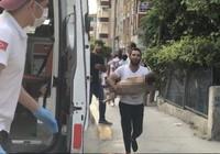 Nefes alamayan oğlunu ambulansa taşıyan babanın yürek yakan feryatları