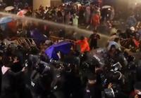 Tayland'da sokaklar karıştı