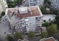 İzmir'de depremin arından yıkılan binalar havadan görüntülendi