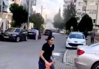 İşte İzmir'de binanın yıkılma anı!