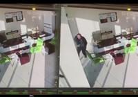 Siirt'te yaşanan deprem güvenlik kamerasına böyle yansıdı