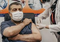Sağlık Bakanı Koca canlı yayında aşı oldu