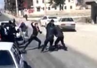 Trafikte yol verme kavgası kamerada