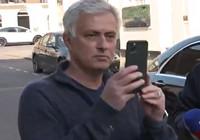 Jose Mourinho evinin önünde toplanan gazetecileri kayda aldı: Sizi Instagramıma koyuyorum. 1.9 milyon insan sizi görecek