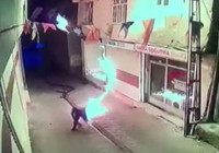 AK Parti ilçe binasına molotoflu saldırı!