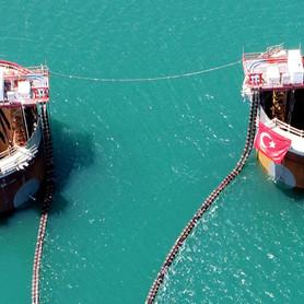 'Simgelerin köprüsü'nün Asya ayağı batırıldı