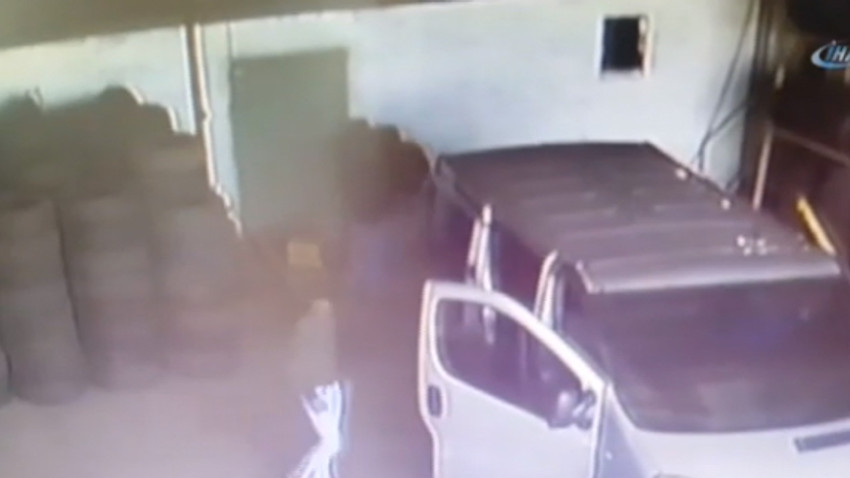 Maskeli hırsızlar 20 bin TL'lik tır lastiklerini böyle çaldılar