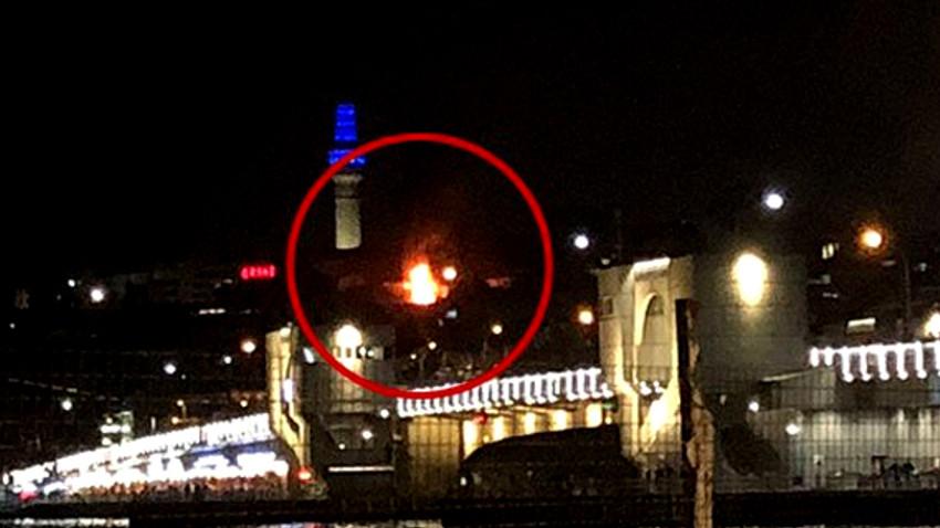 Eminönü'nde iş hanında yangın çıktı!