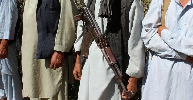 Taliban 4 ilçeyi daha ele geçirdi