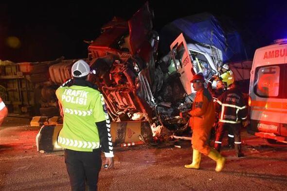 Kırıkkale'de feci kaza!  2 kişi öldü, 16 kişi yaralandı - Sayfa 2