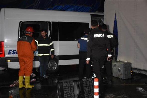 Kırıkkale'de feci kaza!  2 kişi öldü, 16 kişi yaralandı - Sayfa 3