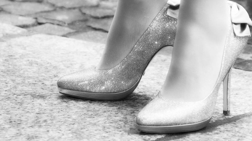 Japonya'da her 10 şirketten birinde topuklu ayakkabı giymek zorunlu