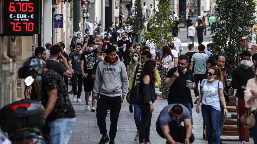 Türkiye'de koronavirüs nedeniyle 18 kişi daha hayatını kaybetti: Yeni vaka sayısı 1374
