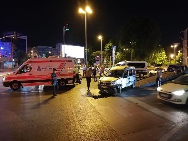 Fatih'te kural ihlali yaptığı iddia edilen sürücü 3 araca çarparak durabildi - Sayfa 2