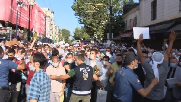 Polis bariyerini yıkan kalabalık Ayasofya Camii'ne doğru koştu! - Sayfa 1