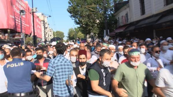 Polis bariyerini yıkan kalabalık Ayasofya Camii'ne doğru koştu! - Sayfa 3