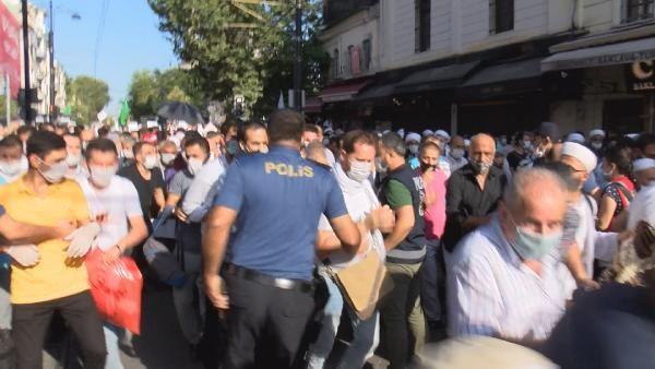 Polis bariyerini yıkan kalabalık Ayasofya Camii'ne doğru koştu! - Sayfa 4