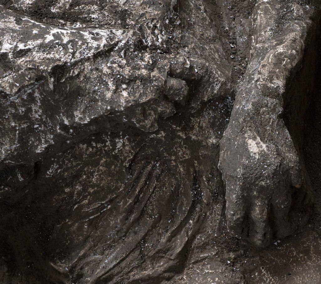 Pompei'de küllerle kaplı iki insan bedeni bulundu - Sayfa 1