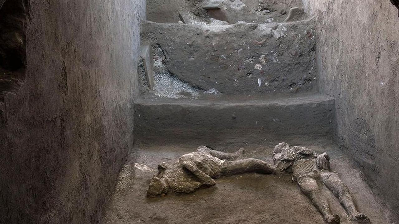 Pompei'de küllerle kaplı iki insan bedeni bulundu - Sayfa 3