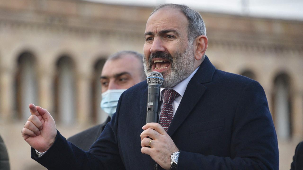 Ermenistan ordusu Başbakan Paşinyan ve hükümetin istifasını talep etti!