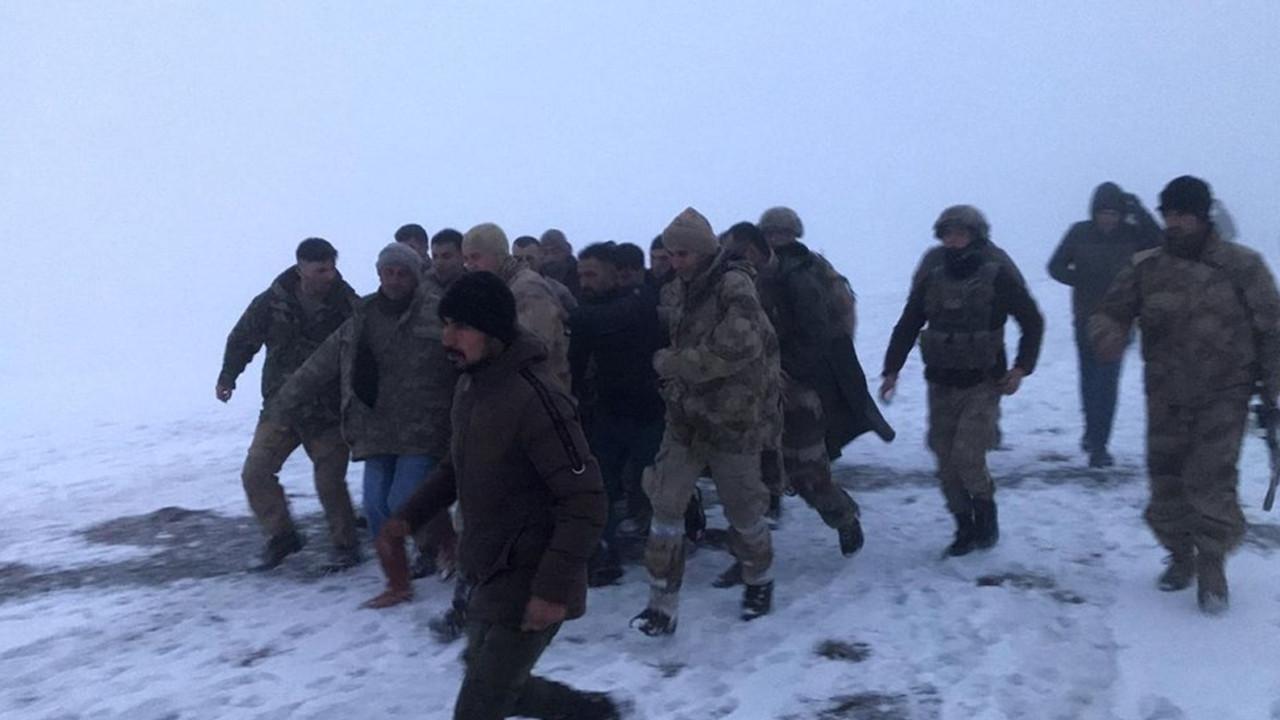 Bitlis'te askeri helikopter düştü; 11 şehidimiz var
