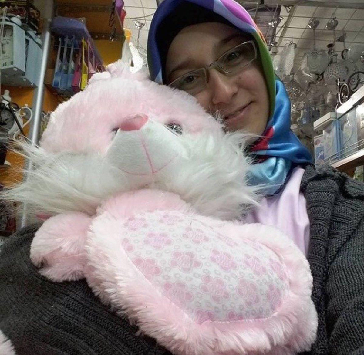 Genç kadın, eski erkek arkadaşı tarafından kalbinden vurularak öldürüldü - Sayfa 3