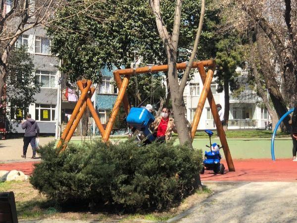 Bakırköy'de kısıtlamaya rağmen parklar doldu taştı - Sayfa 2