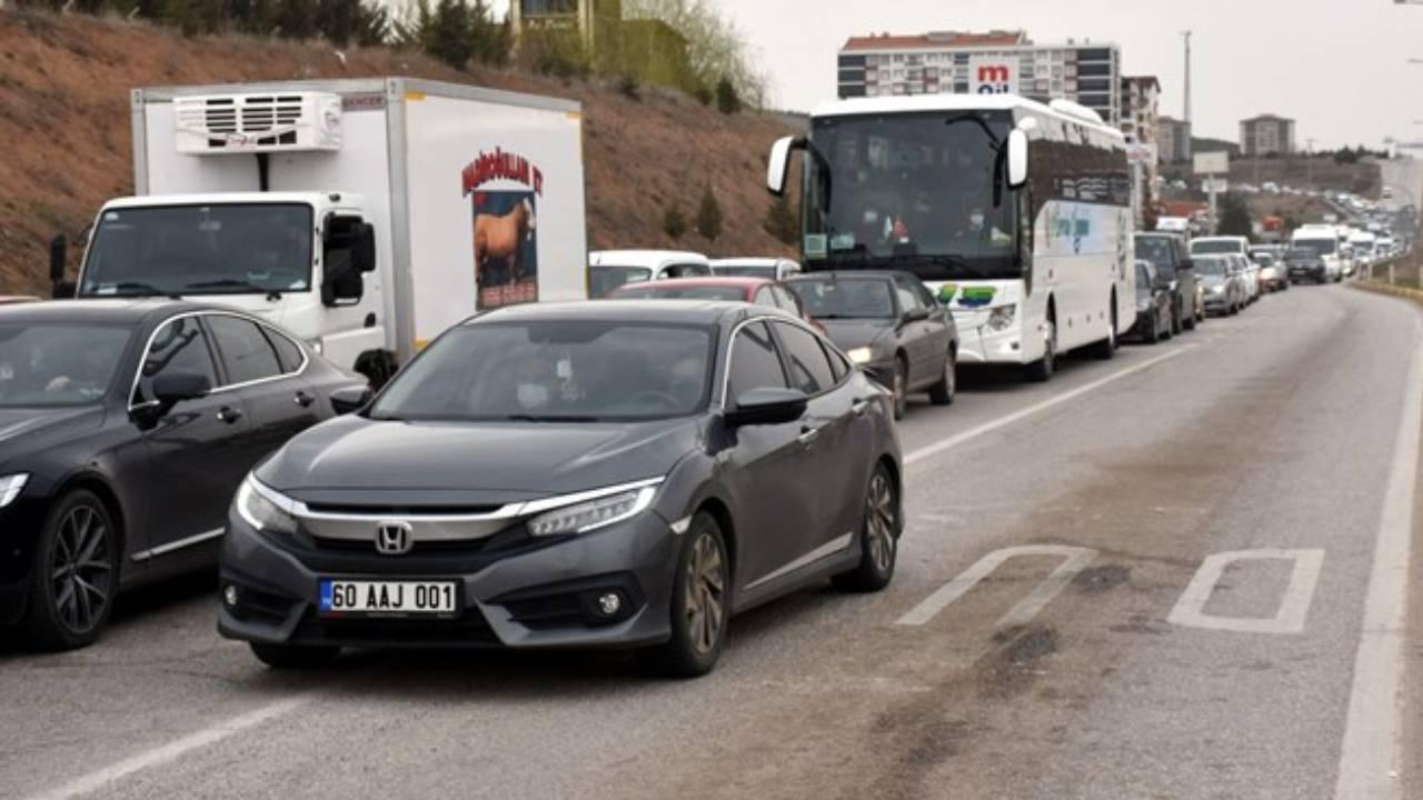 43 ilin bağlantı noktasında trafik kilitlendi