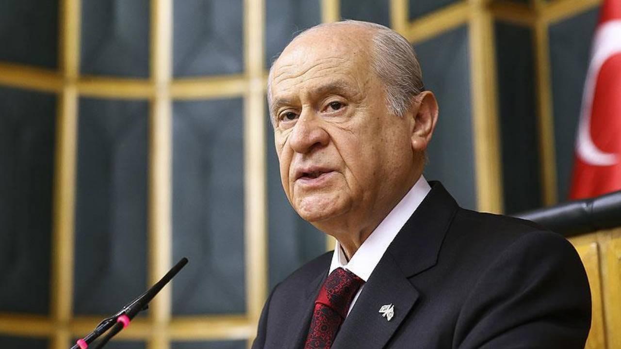MHP lideri Bahçeli: 104 emekli amiral kara bir lekedir!