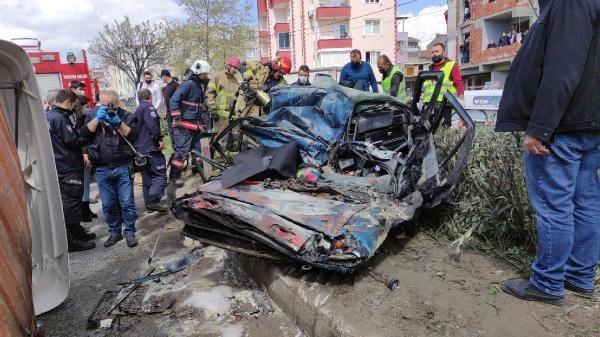 Bursa'da TIR'ın üzerine devrildiği otomobil yandı; 1 ölü, 2 yaralı - Sayfa 3
