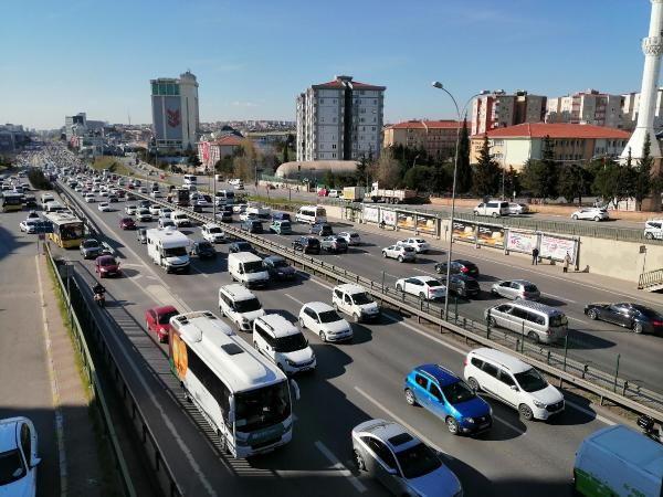 İstanbul'da trafik durma noktasına geldi - Sayfa 3