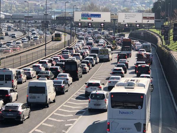 İstanbul'da trafik durma noktasına geldi - Sayfa 4