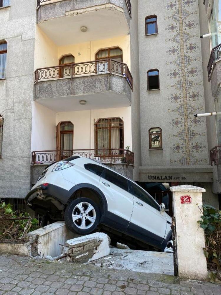 Bakırköy'de cip 5 katlı binanın bahçesine uçtu! - Sayfa 3